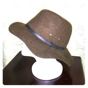American Eagle wool floppy hat. NWT. Brown